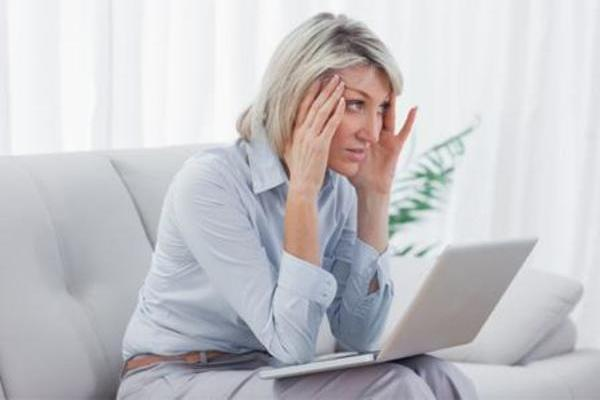 combating cyberchondria For some of you, easy access to all this data is creating a whole new problem – cyberchondria, the digital version of hypochondria in the last decade or so, the ability to surf the web has led to self-diagnoses and self-treatments, along with a lot of anxiety, fear and misinformation.