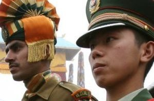 Indian and Chines soldiers